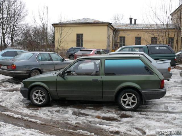 Форд-Эскорт - это еще и практично! 4.